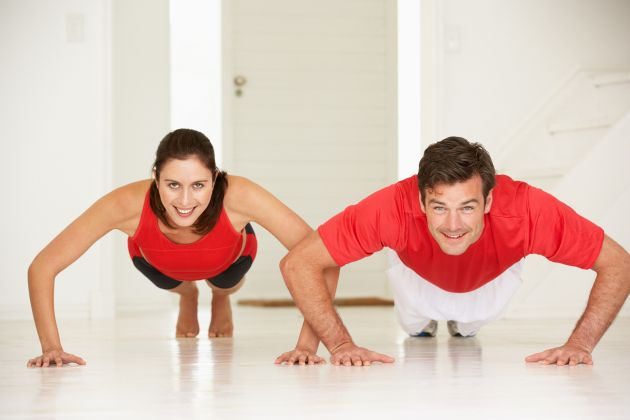 Rutina-de-ejercicios-para-adelgazar-en-casa-1