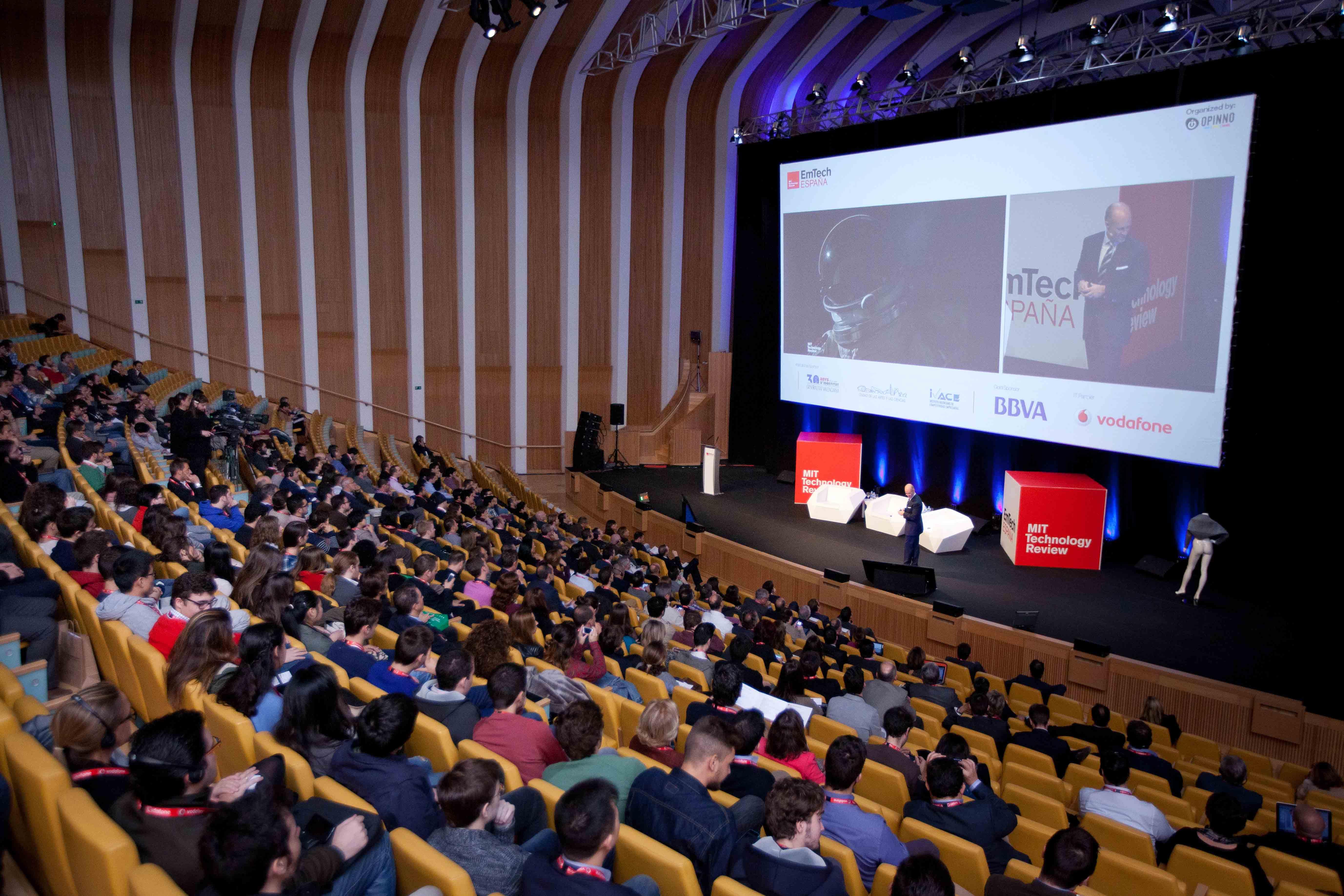 600 personas escucharon a 36 ponentes en el Palau de les Arts Reina Sofía de Valencia