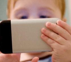 niño-smartphone