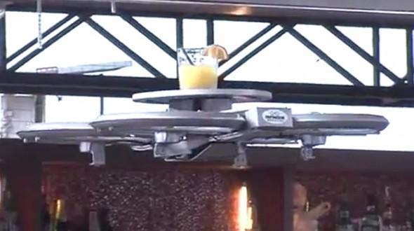 singapore-dron camarero