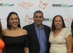 En el centro Leybi Mella García , Bievenido Mella Sabino y Leonor García de Mella,