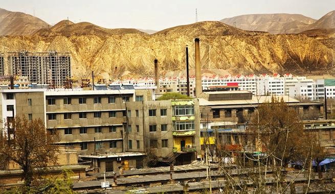 China-crea-ciudad-aplanando-700-montanas