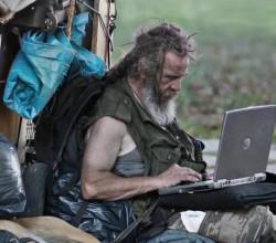 homeless-laptop