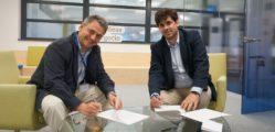 1530774744_Juan_Antonio_Latasa_presidente_de_MITEF_y_Gonzalo_Trigo_director_de_innovaci_n_y_business_value_de_VASS_firmando_el_acuerdo